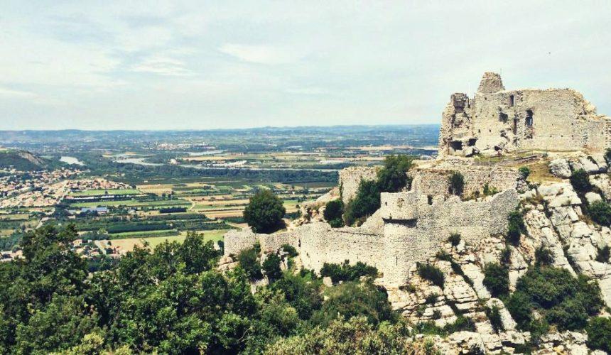 Arrêtez-vous pour vos prochaines vacances au sein du Parc Jouvet et du Château de Crussol